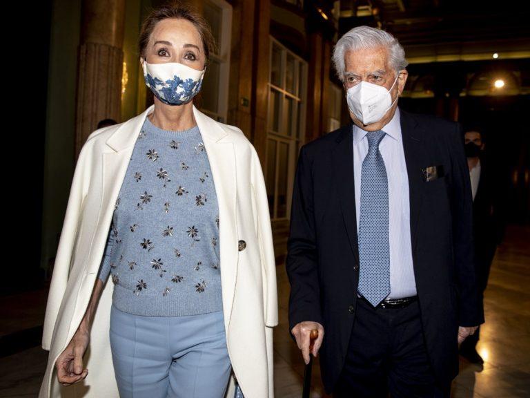 Isabel Preysler acompaña a Mario Vargas Llosa en su noche más especial con el conjunto más elegante