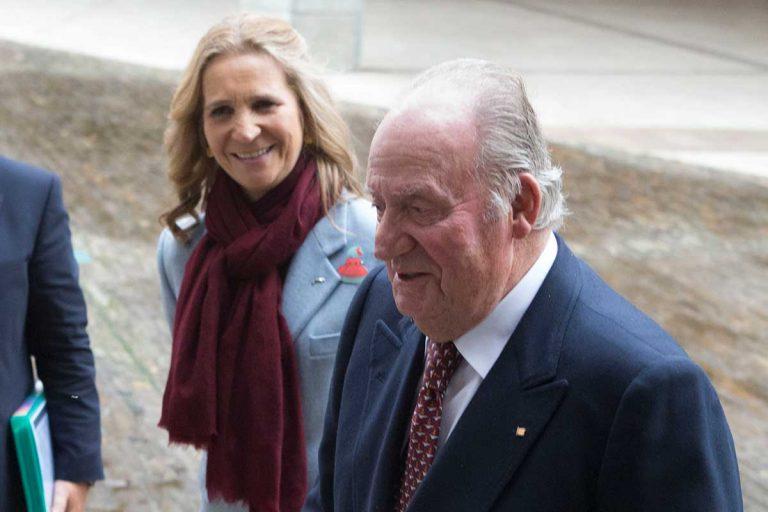 La Infanta Elena visita en secreto a su padre, el Rey Juan Carlos, en Abu Dabi