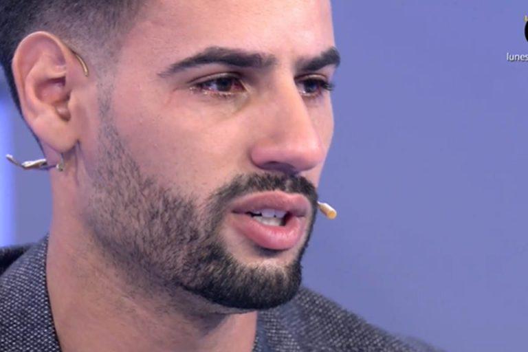 Asraf Beno, completamente roto, desvela la enfermedad que le impidió participar en 'Supervivientes'