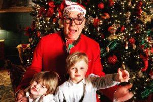 Alberto de Mónaco se convierte en un divertido Papá Noél en la felicitación navideña de su familia