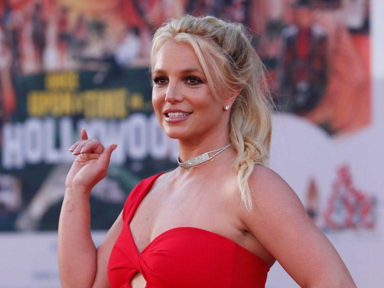 Britney Spears se corta la melena y vuelve a sus orígenes
