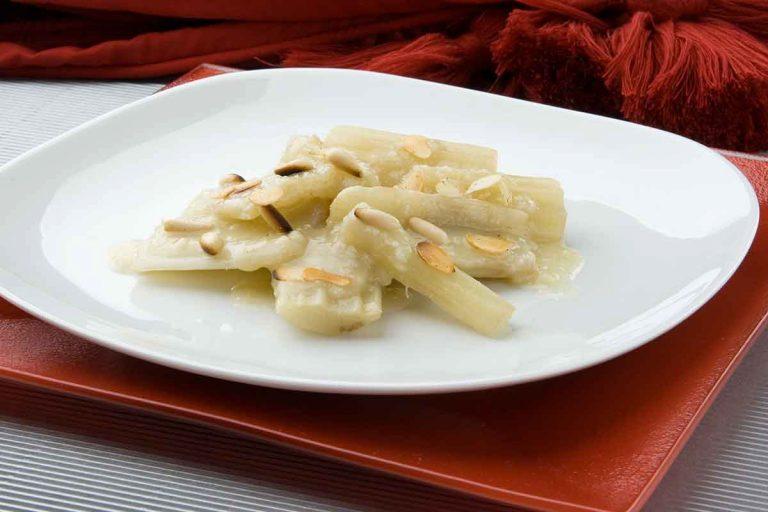 Cardo con salsa blanca