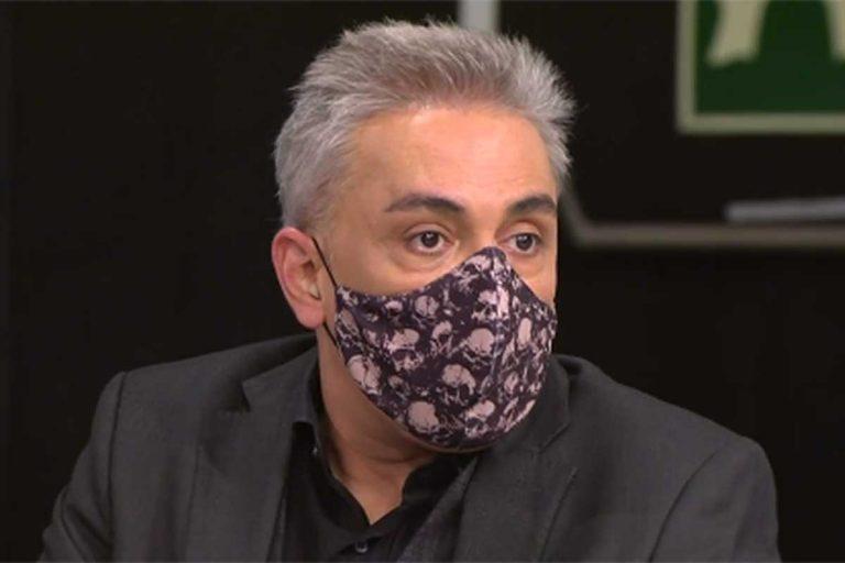 """Kiko Hernández acude a trabajar a 'Sálvame' en silla de ruedas, ¿qué le ha pasado?"""""""