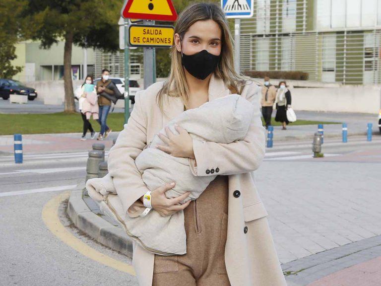 María Pombo presenta a su hijo con el mono de Zara más buscado