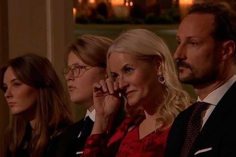 Las lágrimas de Mette-Marit junto a toda la Familia Real noruega
