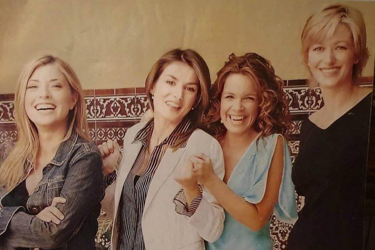 Fotos del día: La imagen del recuerdo de una joven reina Letizia junto a Susanna Griso y Carme Chaparro