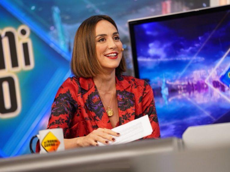 Tamara Falcó y Nuria Roca demuestran en 'El Hormiguero' que esta Navidad se llevan las blazers más llamativas