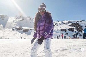 La desternillante caída de Alma Cortés Bollo durante su primer día en la nieve