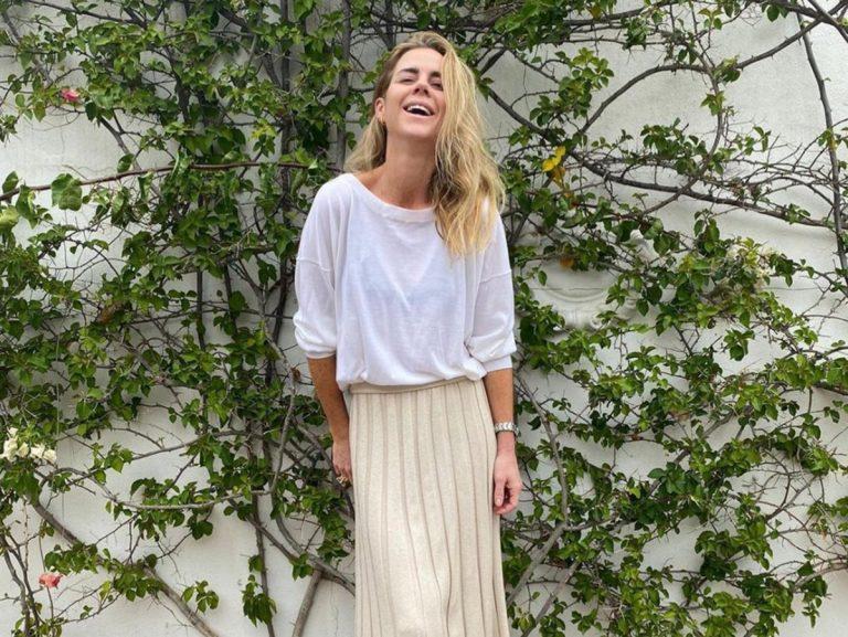 La falda asimétrica de Amelia Bono es la compra perfecta de las rebajas de Zara