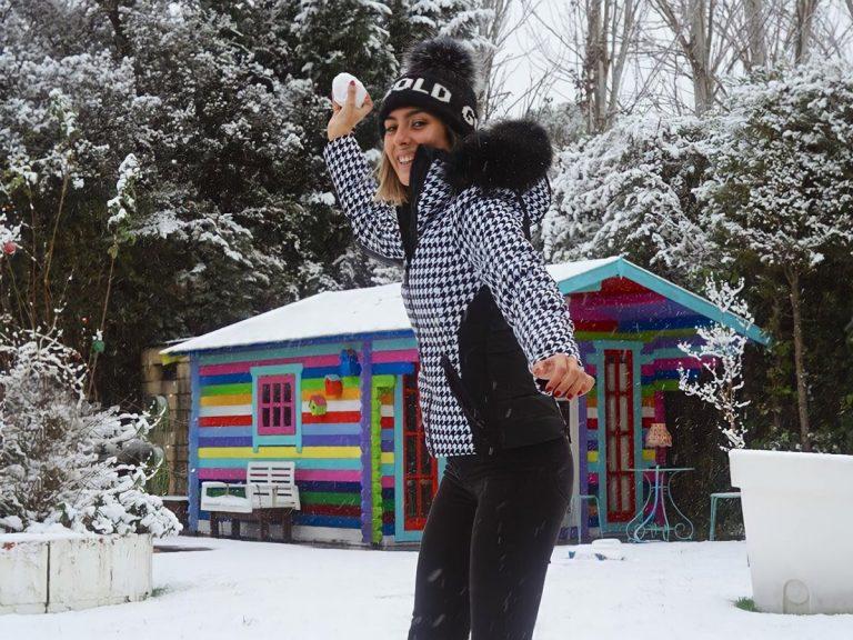 Los chaquetones más molones que han sacado las famosas a la nieve