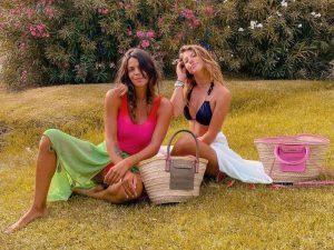 Laura y Anita Matamoros comparten la falda que ha arrasado este verano