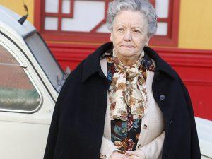 """La actriz María Galiana, auxiliada por cuatro soldados de la UME que la llevaron """"a la sillita de la reina"""" a su hotel en Madrid"""