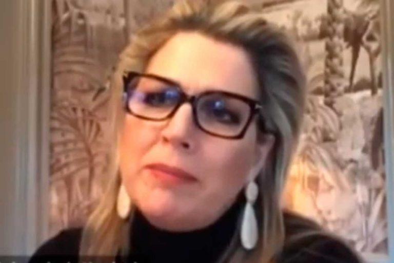 La reaparición de Máxima de Holanda: de bajo perfil  (y con gafas) tras la polémica