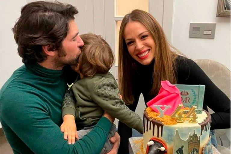 Cayetano Rivera celebra su 44 cumpleaños en familia y con una original tarta