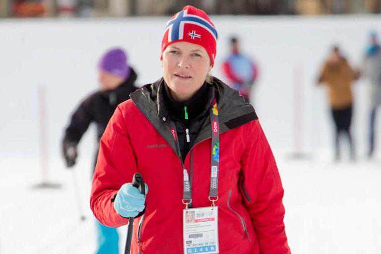 Mette-Marit de Noruega empieza el año en Urgencias tras un accidente de esquí
