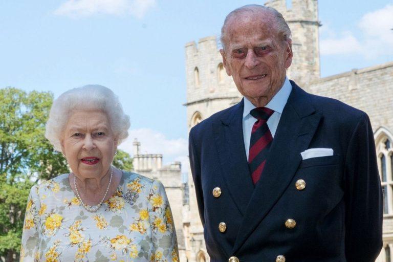 La reina Isabel II y el Duque de Edimburgo reciben la vacuna contra el coronavirus