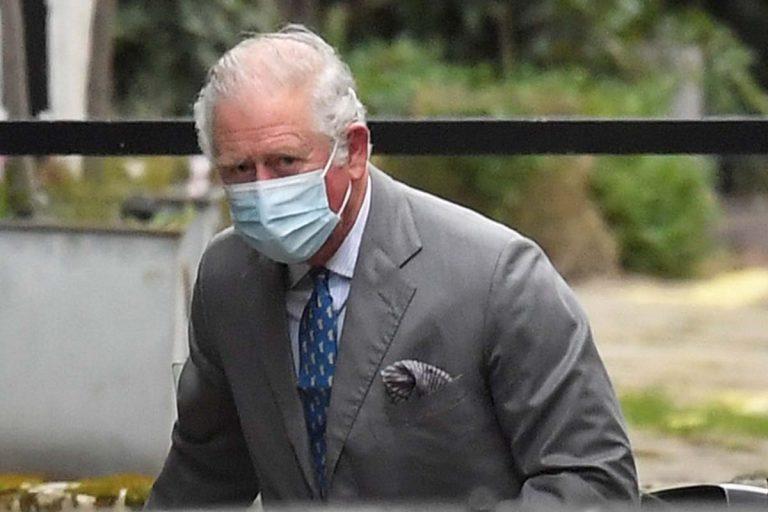 El príncipe Carlos visita a su padre, el duque de Edimburgo, en el hospital