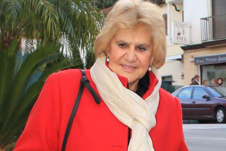 Carmen Bazán, ingresada en el hospital tras una operación de cadera