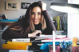 Isabel Rábago, más agobiada que nunca, cuenta la odisea con todos sus exámenes