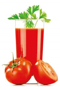 zumo de tomates