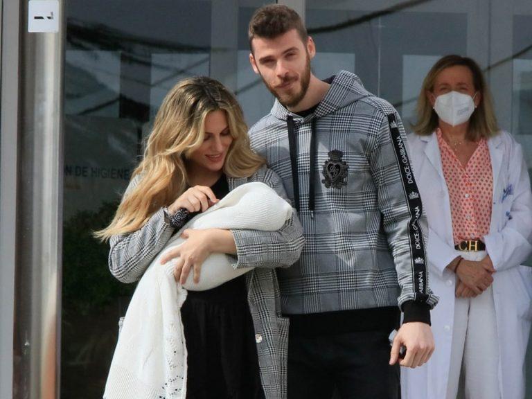 Edurne y David De Gea abandonan el hospital con la pequeña Yanay en brazos