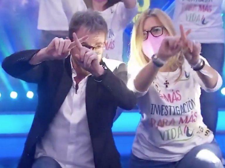 El baile del Día de la Mujer en 'El Hormiguero' con mujeres con cáncer de mama metastásico