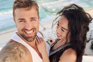 El divertido vídeo de Rafa Mora bailando bachata (o eso intenta) con Macarena