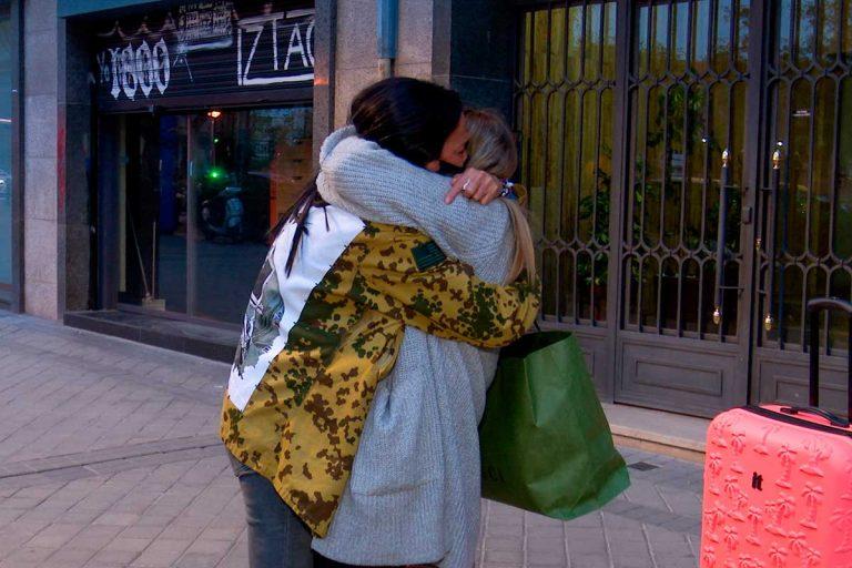 Olga Moreno y Rocío Flores se despiden, muy emocionadas y entre lágrimas, antes de 'Supervivientes'