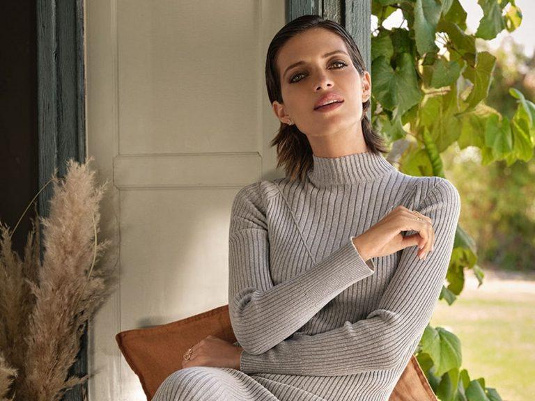 Sara Carbonero eleva su look más casual con el bolso más cañero de casi 2.000 €