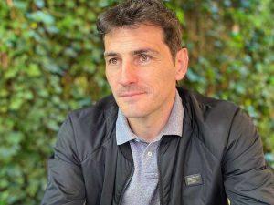 La reacción de Iker Casillas tras protagonizar un encontronazo con 'Socialité'