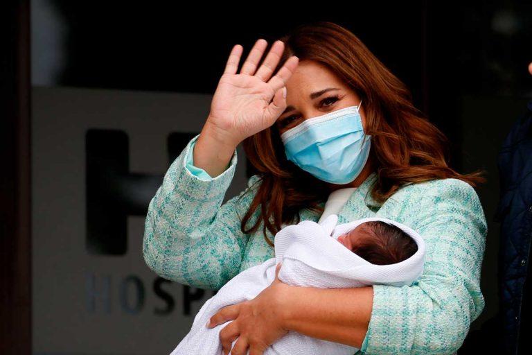 Fotos del día: El ataque de amor de Paula Echevarría por su hijo Miguel