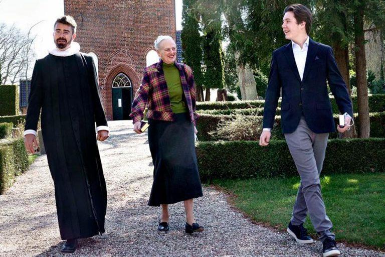 Christian de Dinamarca prepara su Confirmación con su abuela la reina
