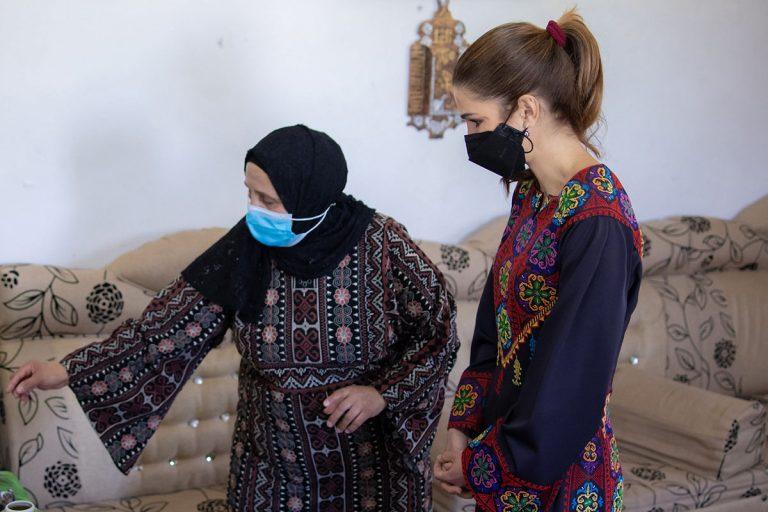 Rania de Jordania reaparece tras el complot de su cuñado