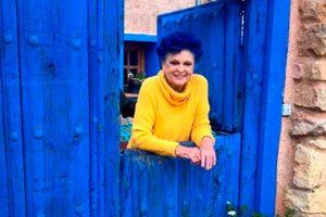 La familia de Lucía Bosé pone a la venta 'La casa azul' por casi medio millón de euros