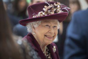 La reina Isabel rompe su luto: «conmovida y agradecida» en este periodo de «enorme tristeza»