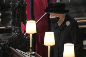 La tristeza de la reina Isabel II marca el último adiós de Felipe de Edimburgo