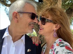 Fotos del día: Carlos Sobera se pone romántico con su mujer y se desvela un secreto íntimo