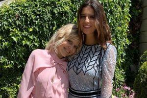 La felicidad de Eugenia Martínez de Irujo junto a su hija Tana Rivera en la boda de los condes de Osorno