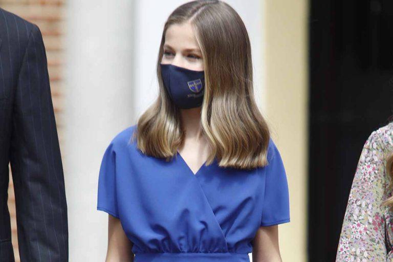 La princesa Leonor vuelve al look azul, como en las grandes ocasiones