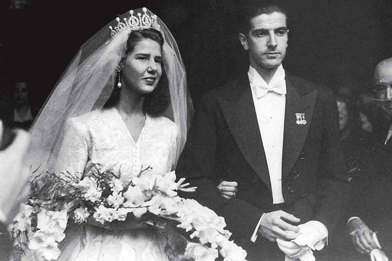 Todas las bodas de la familia Alba: glamour y vestidos para la historia