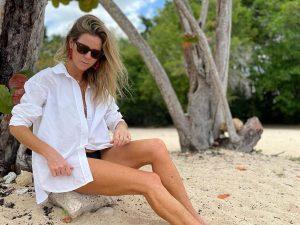 La crema antimanchas de menos de 10 € que usa Amelia Bono para tomar el sol