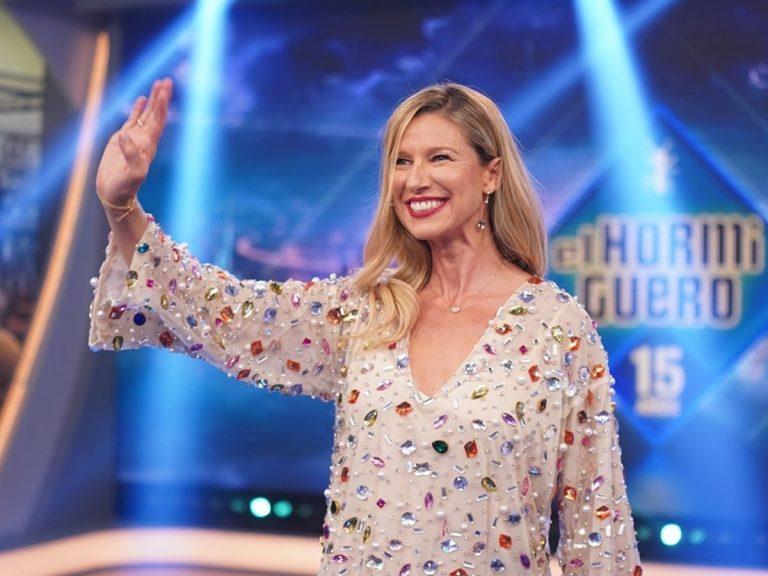 Anne Igartiburu deslumbra en 'El Hormiguero' con el vestido más especial