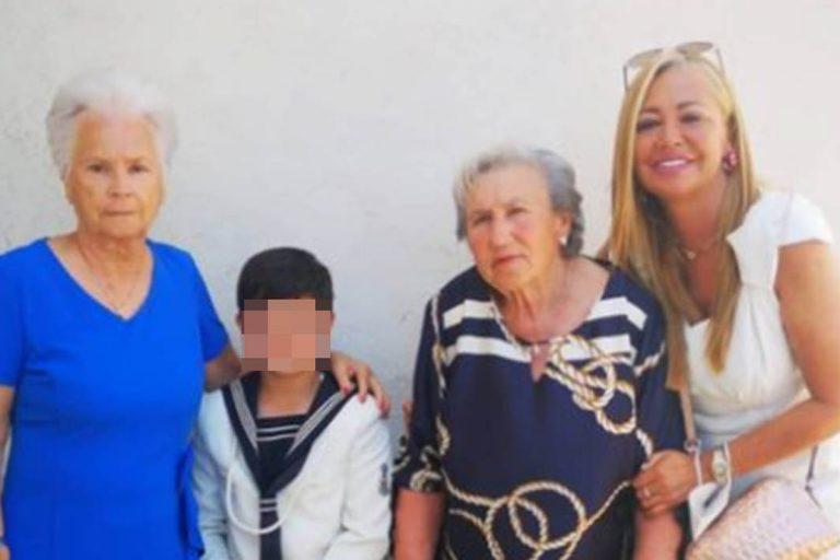 Belén Esteban disfruta de una comunión familiar