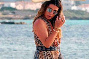Elena Tablada tiene el bolso más bonito de Loewe (pero poco práctico para la playa)