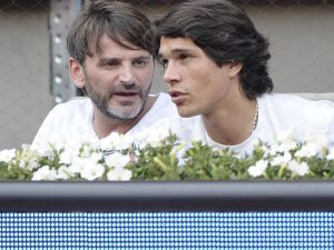 Fernando Tejero, cabreado, responde a los rumores de que sale con el marido de María Pombo, Pablo Castellano