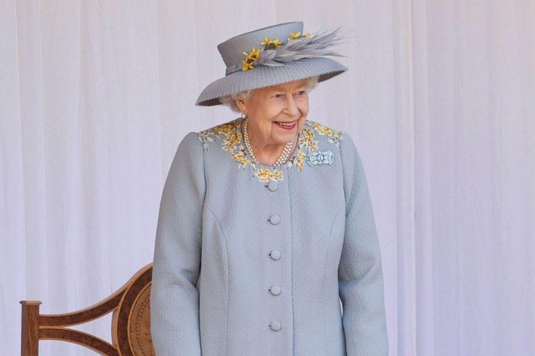 La reina Isabel II preside el 'Trooping the Colour', el primero sin el duque de Edimburgo