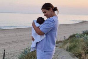 Paula Echevarría comparte la primera vez de su bebé cerca del mar