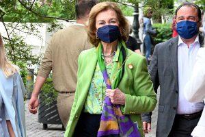 La Reina Sofía no para: ahora sorprendida de compras en Atenas