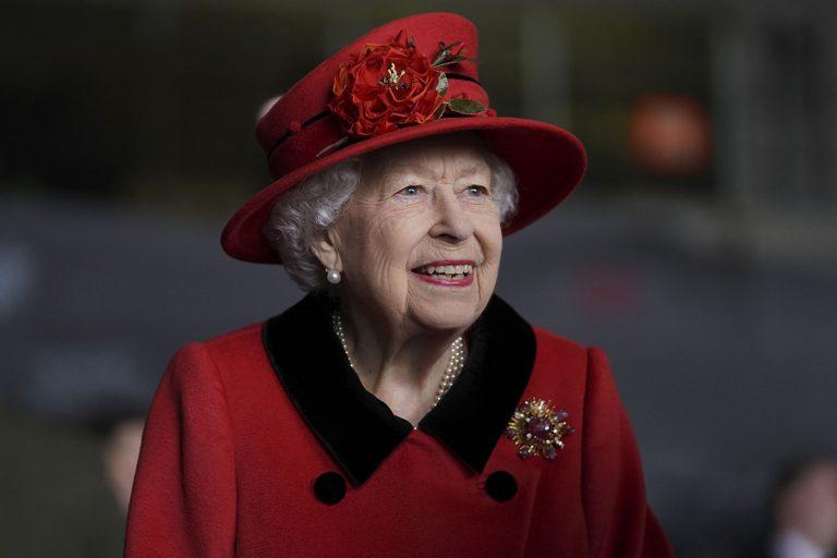 Desfiles, carreras de caballos y concierto con estrellas… Así va a ser el Jubileo de Platino de la reina Isabel