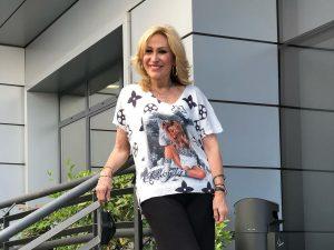 La camiseta con mensaje de Rosa Benito: ¿Indirecta a Rocío Carrasco o casualidad?